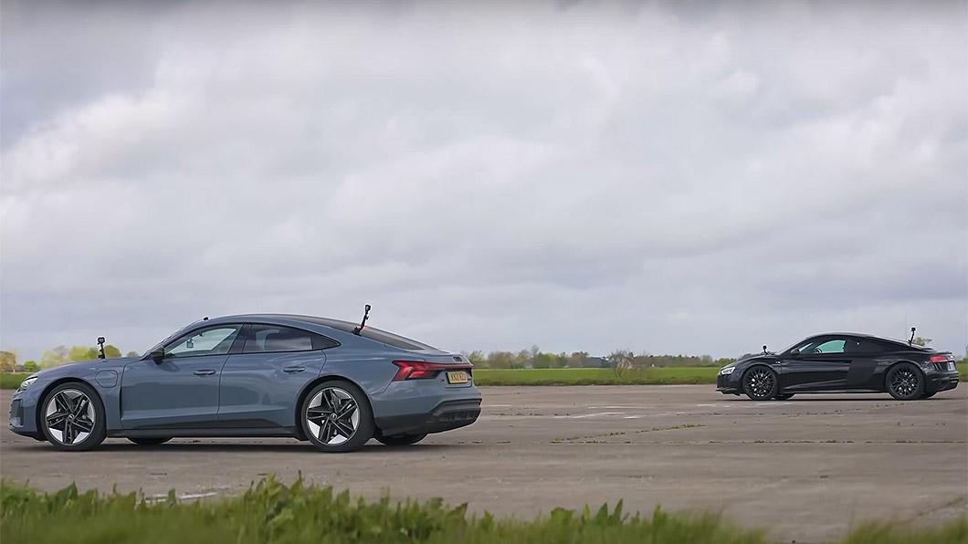 Audi RS E-Tron與R8比拼400公尺衝刺,電與油之間的對決誰勝誰敗?(圖片來源/ Carwow-Youtube頻道) Audi RS E-Tron GT直線加速槓R8 油電大對決結果好像不意外