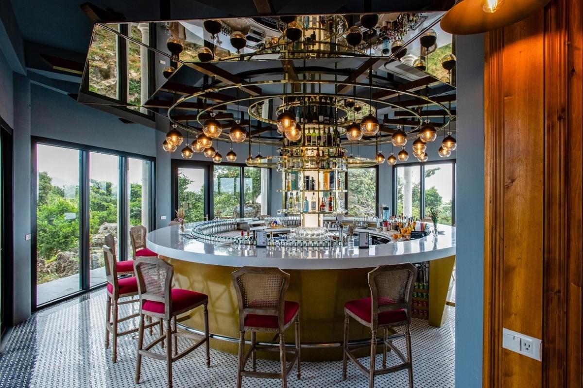 全台首間「蘭姆酒吧」營區!墾丁全新「貓鼻頭露營莊園」,豪華Villa、觀星台超Chill