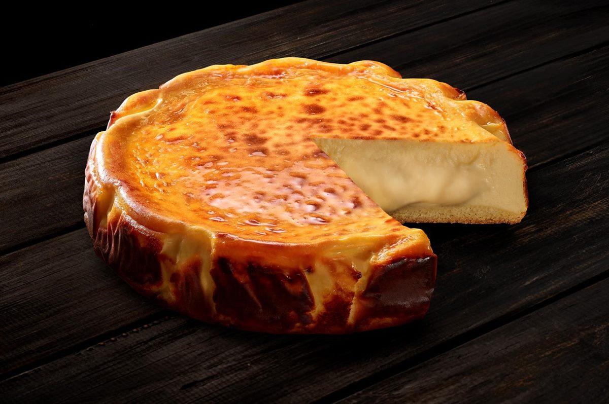 現省429元爽吃!東京排隊甜點「巴斯克熔岩起司蛋糕」,必勝客披薩、烤雞餐一次帶走