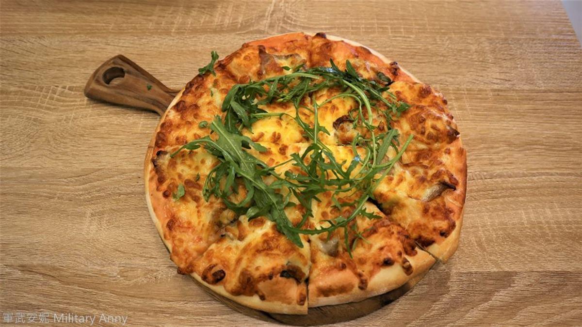 每日手工現做!超道地「羅馬披薩」最推外酥內Q松阪豬,內行必點焦香「螺旋酥皮濃湯」