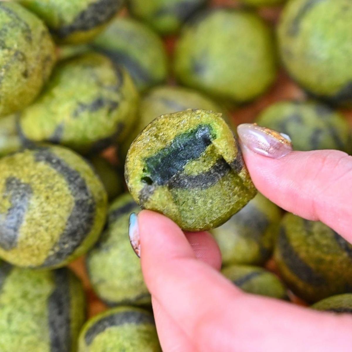 用炸的西瓜?IG狂洗版「西瓜地瓜球」外酥內Q超唰嘴,一口咬下抹茶香、地瓜香