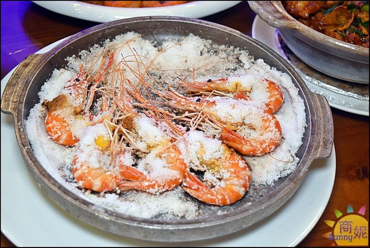 整艘船開進店!IG暴紅「海鮮餐廳」必點隱藏版鹽焗蝦,屏東直送「泰國蝦」每隻都爆膏