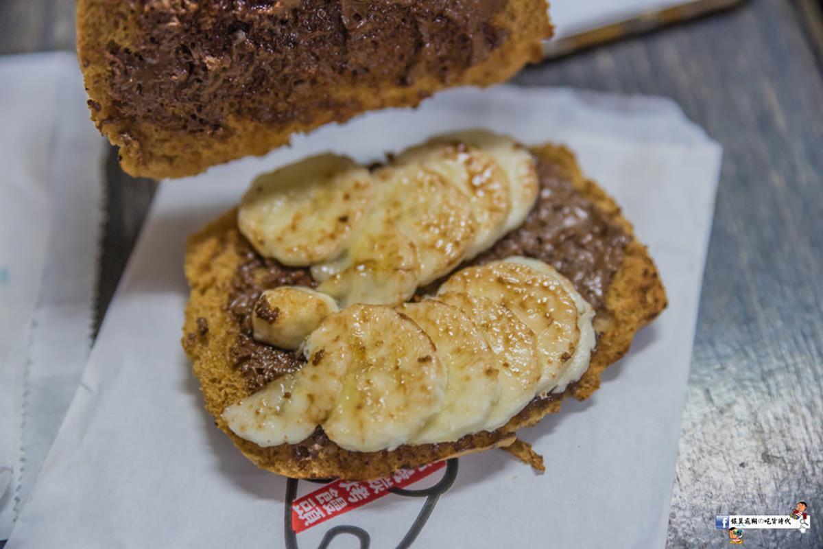 想吃要有耐心!現點現做「烤饅頭」多達12種口味,必嘗鹹甜香蕉巧克力、微辣玉米肉醬