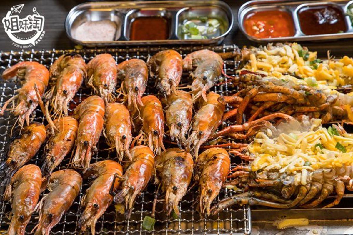超狂燒烤吃到飽!「波士頓大龍蝦」鋪滿滿起司太邪惡,活體泰國蝦、澳洲和牛也任你嗑