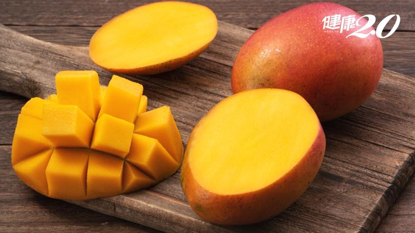 芒果切小方塊直接吃很方便?小心「芒果皮膚炎」!醫揭:吃芒果3地雷