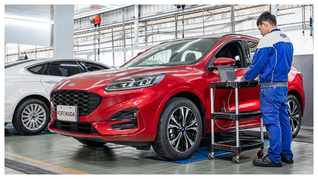 Ford建議車主在長途出行前都能回Ford專業服務廠檢測車況,以確保安心出門。(圖片來源/Ford) Ford提點五大聰明出行撇步 微解封自駕安全沒問題