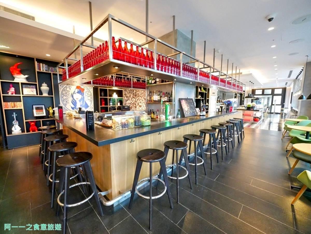 平日不用2000元!網美系旅店打卡必住「隱藏版雙景房」,咖啡廳夜晚變身微醺酒吧