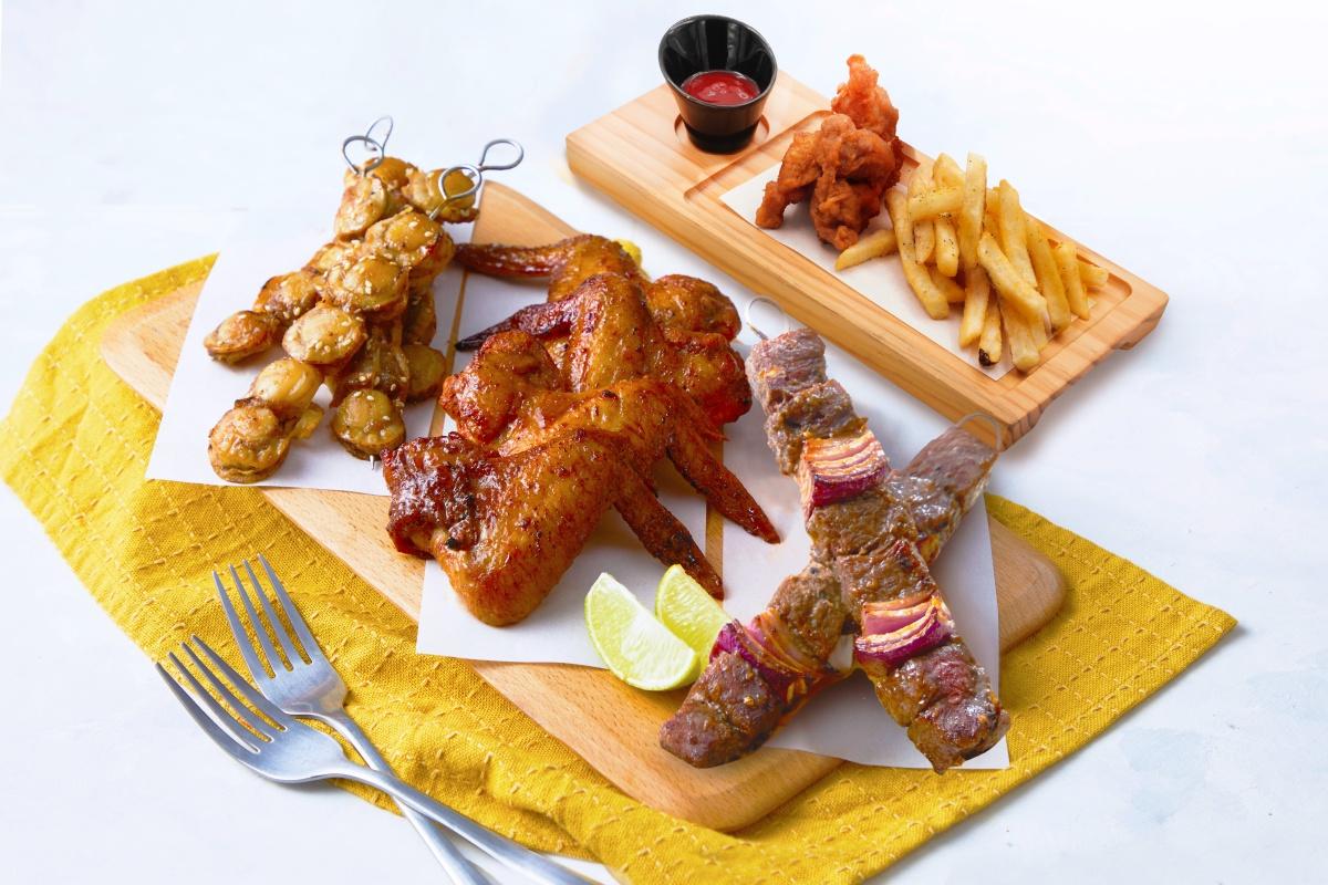 9月壽星先收!全台13間美食優惠:壽星雞翅山+蝦蛋糕、火鍋買一送一