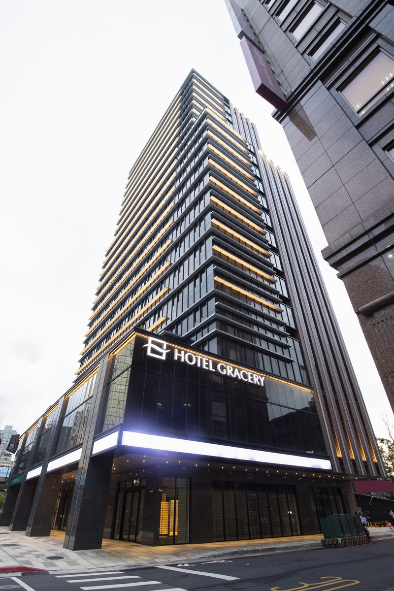 東京新宿「哥吉拉飯店」來台北開幕了!日系風、泡澡空間設計,每人每晚1400元爽住