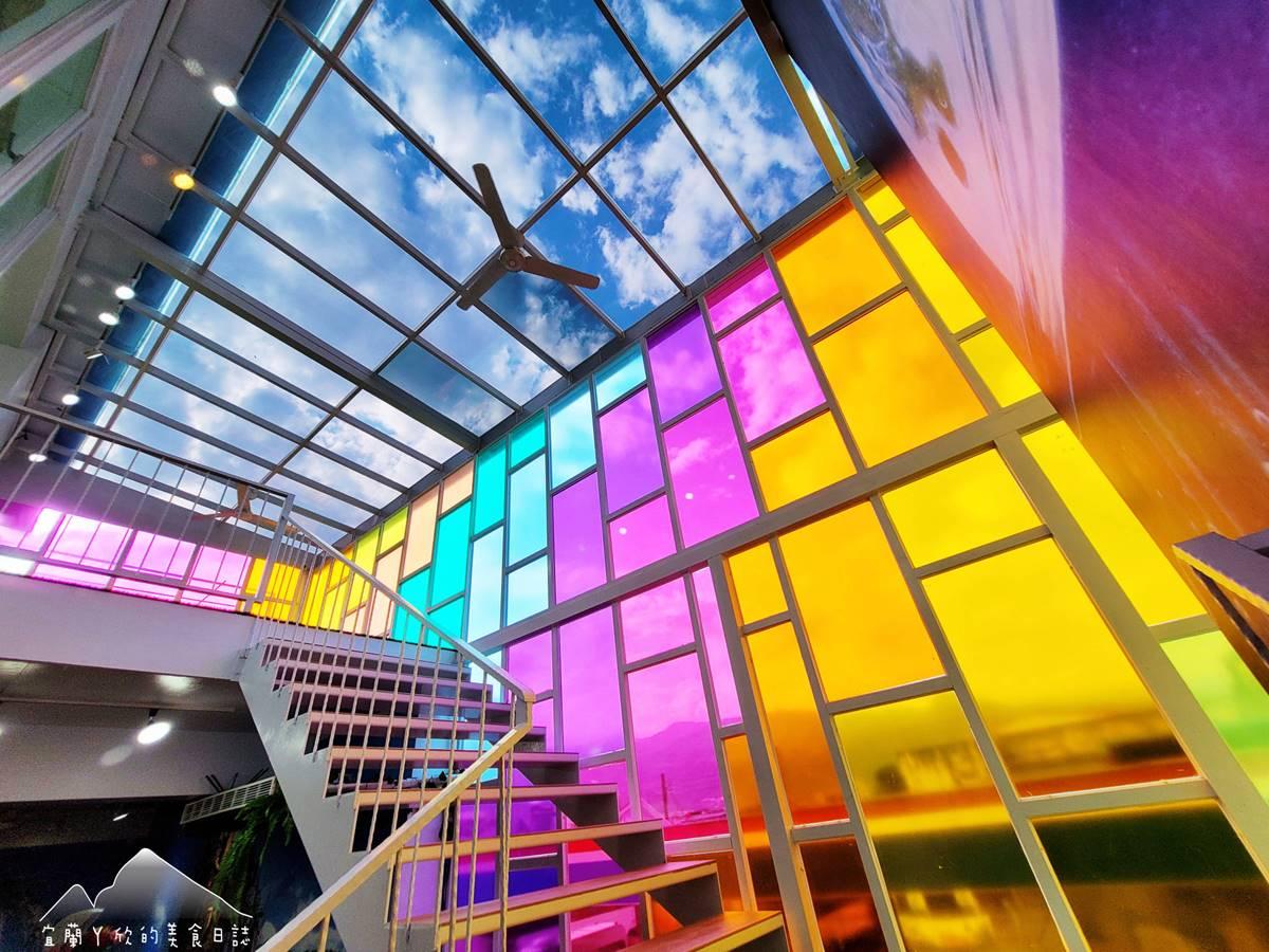 【新開店】「小王子」童話屋現身!宜蘭夢幻餐廳試營運就暴紅,必拍螢光森林、透明步道