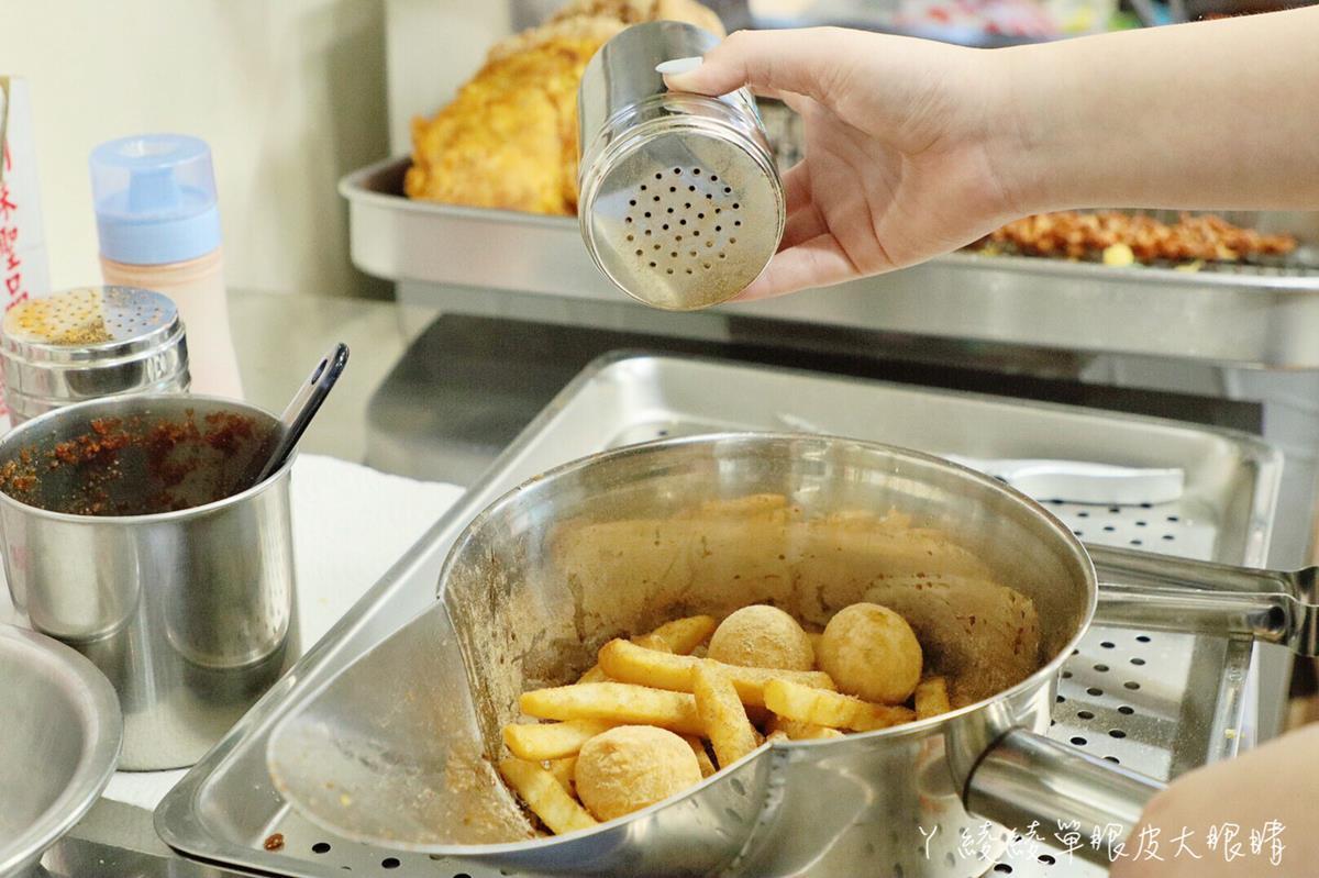 【新開店】晚來吃不到!暴紅祕製「重量級雞排」外酥內噴汁,爆漿龍蝦球、芋泥丸也必嗑