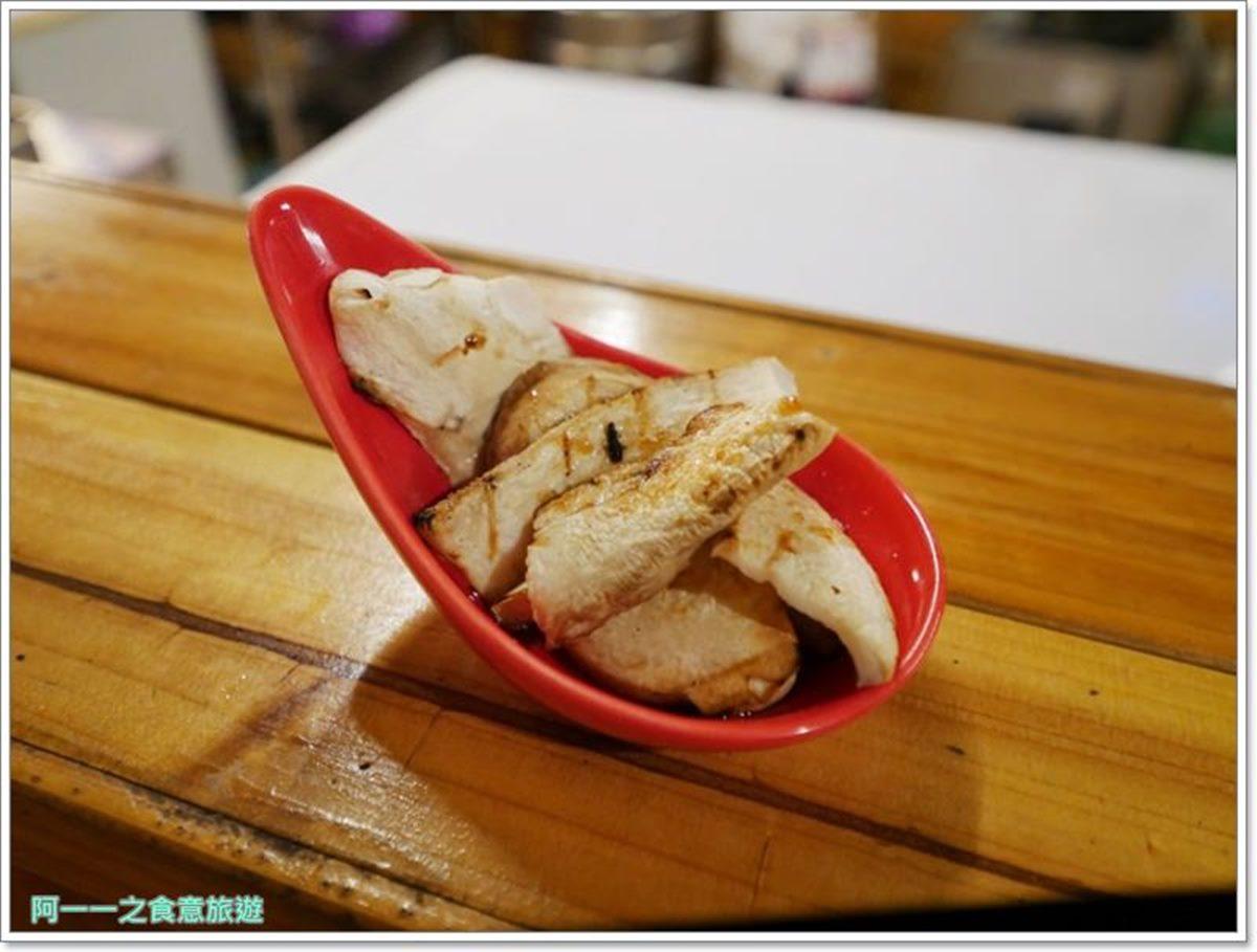 1秒飛日本!日式居酒屋「屋台風」設計超好拍,必點「三味丼」鋪滿3種肉只要75元