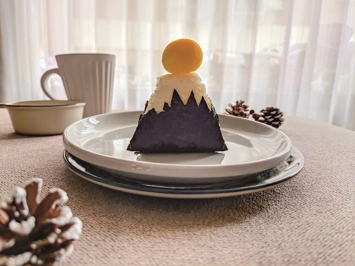超萌樣讓人秒融化!小孩搶吃5款可愛造型早餐:「熊抱熱狗」麵包、小雞飯糰