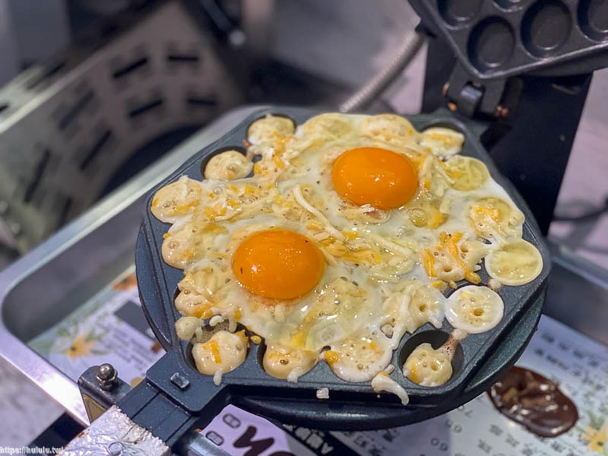 真的有雞蛋!超浮誇「雞蛋仔」料多到爆出來,必嗑濃郁起司、大人味巧克力