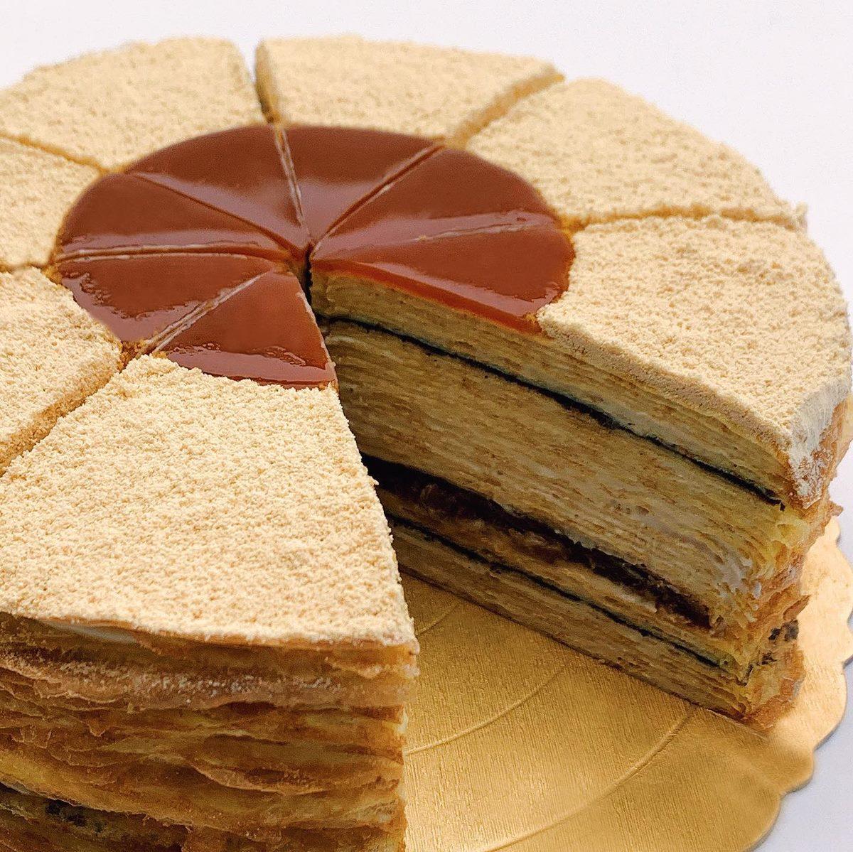 不只網美星巴克!「千層蛋糕界LV」進駐台南小白宮,最快9月中旬開幕