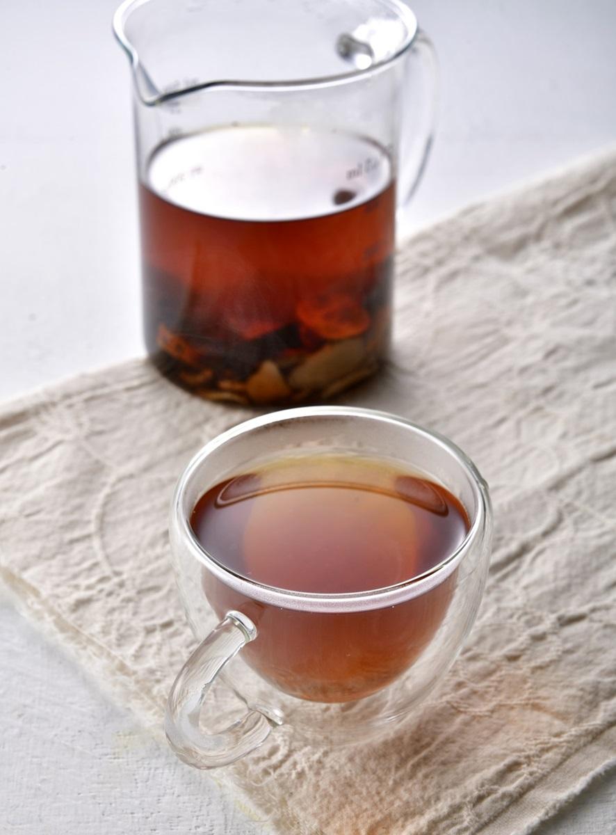 喝梅子綠養生!上班族4大飲食「壞習慣」讓你濕氣重,自製3款手沖茶秒改善