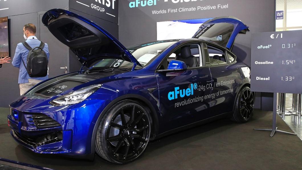 在IAA慕尼黑車展上,Obrist展演了最新的Model Y增程動力系統。(圖片來源/ Obrist) 竟然幫特斯拉裝引擎! Model Y變成了油電複合動力車