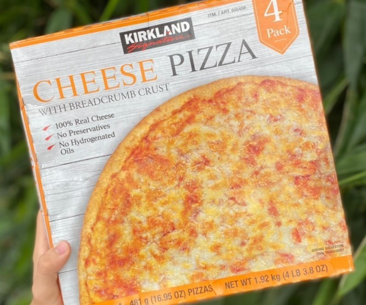 加熱就能開吃!好市多「科克蘭起司披薩」1片100元有找,牽絲起司+薄脆餅皮太邪惡