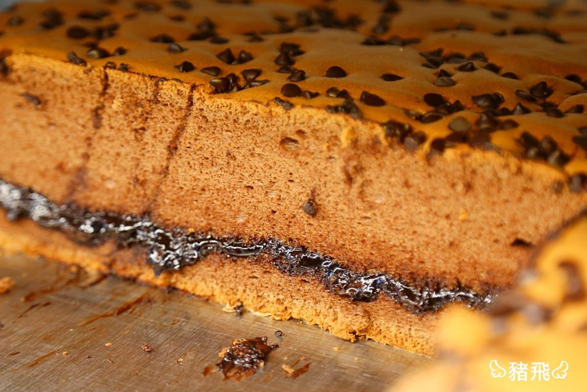 多達18種口味!彰化「古早味蛋糕」想吃請排隊,先搶爆漿巧克力、大甲芋泥