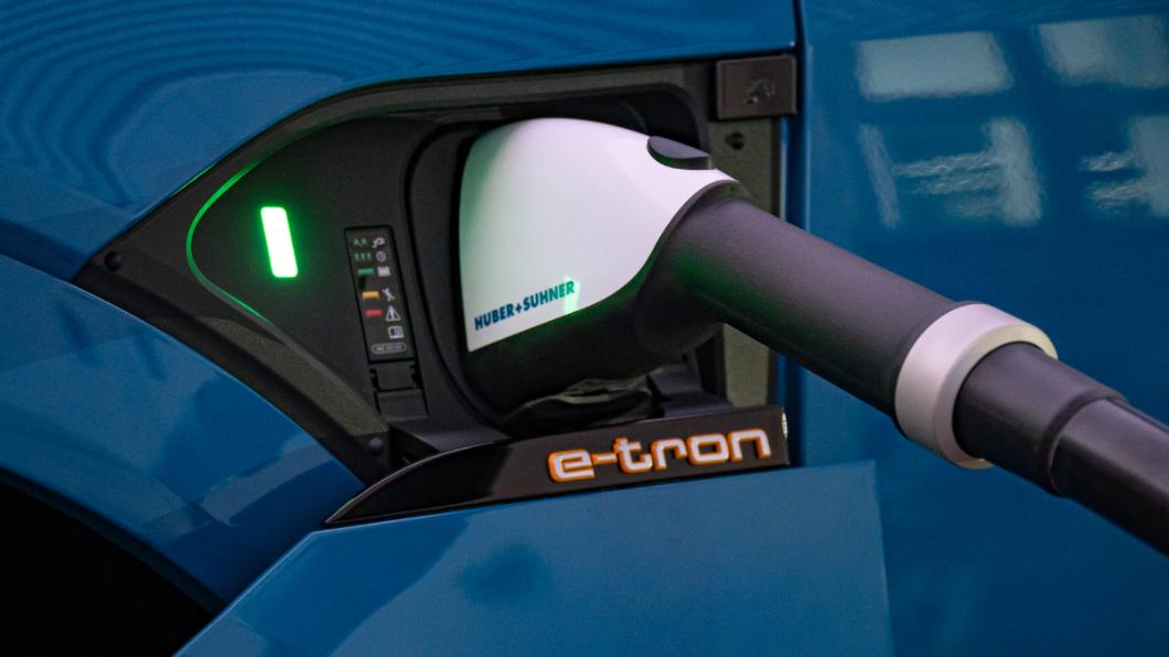 Audi在家用充電方面導入全新11kW家用充電規格供消費者選擇。(圖片來源/ Audi) Audi推出充更快11kW家充 台灣奧迪:還幫你跟社區管委會「喬」