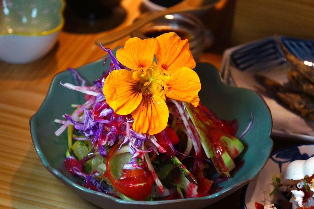 每天換菜單!「現流海鮮套餐」先嘗少女系櫻花蝦米漢堡,厚切生魚片愈嚼愈甜