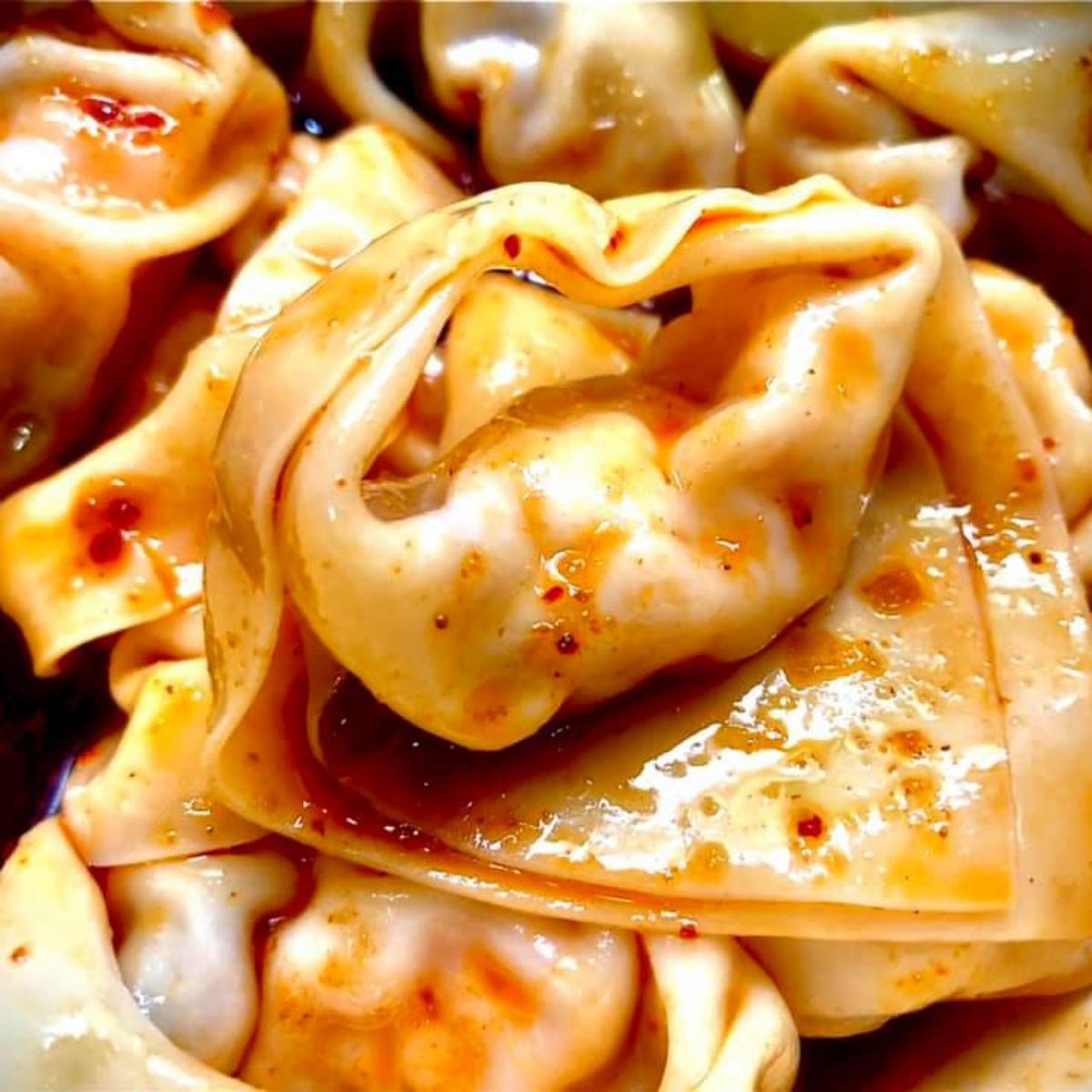 鼎泰豐「蝦肉紅油抄手」好市多就有!特製醬汁微辣開胃,薄透外皮+Q彈鮮蝦超唰嘴