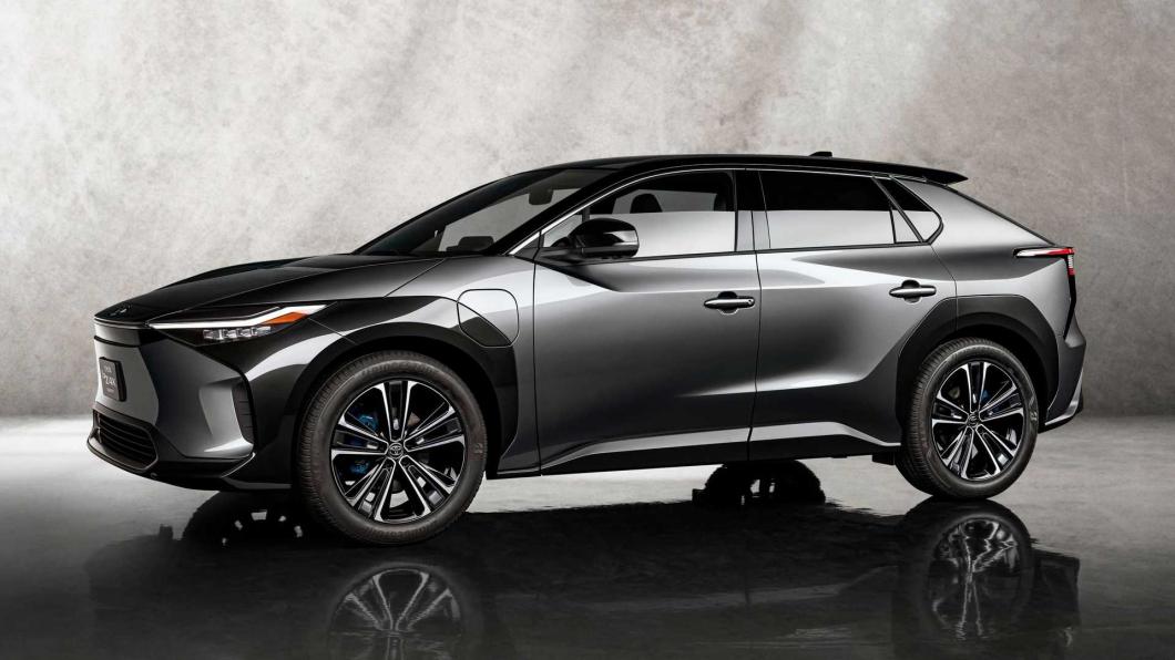 Toyota最新的電動車款bZ4X在電池管理上將會表現更好,10年內衰退控制在10%以內。(圖片來源/ Toyota) Toyota電池技術大躍進! 未來將保證10年內衰退低於10%