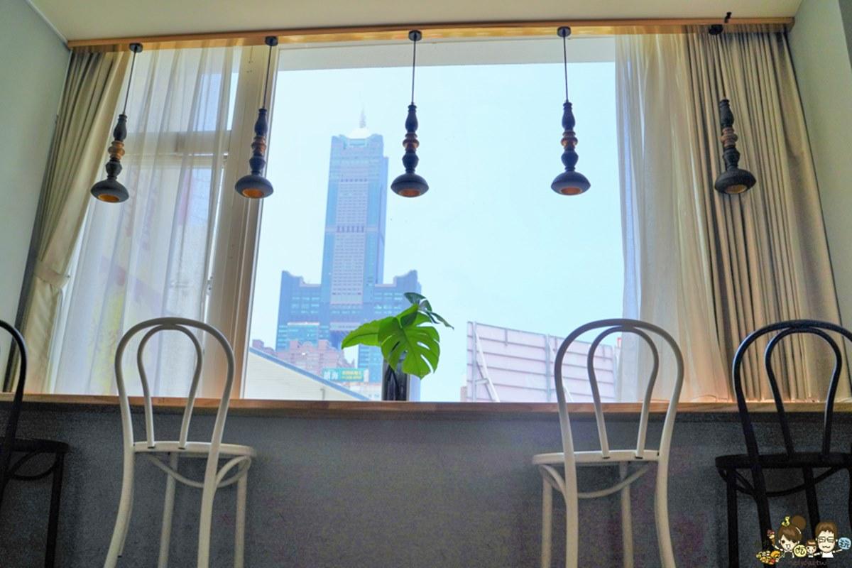 水水快收!高雄網美咖啡廳可遠眺「85大樓」,必點鮭魚冷麵、酒香味巧克力塔