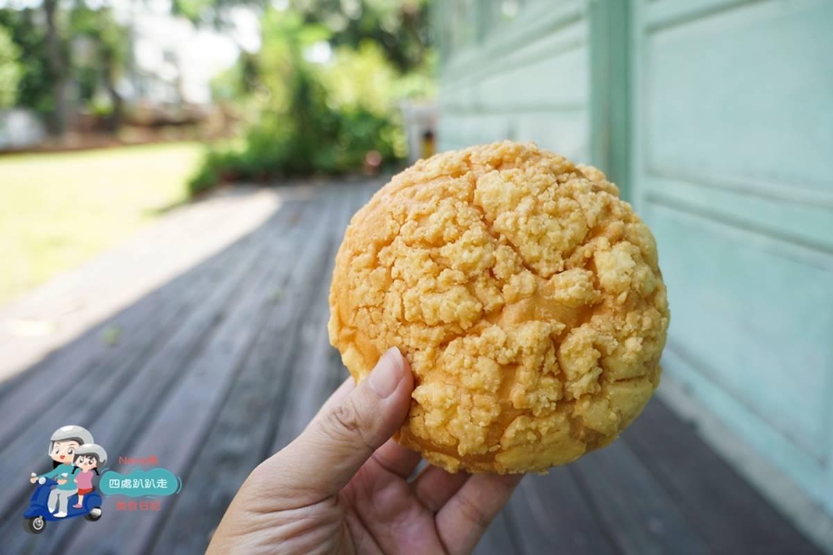 中秋限定!新竹老字號食品坊「巨無霸月餅」比臉大,十大伴手禮鹹水鴨也必買