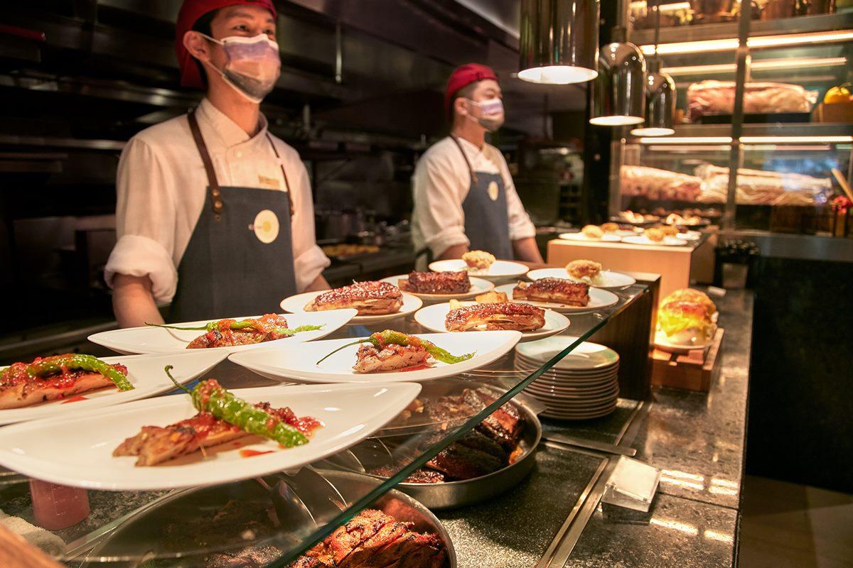4家飯店內用強勢回歸!超狂8國烤肉吃到飽,憑接種卡或身分證都能打折