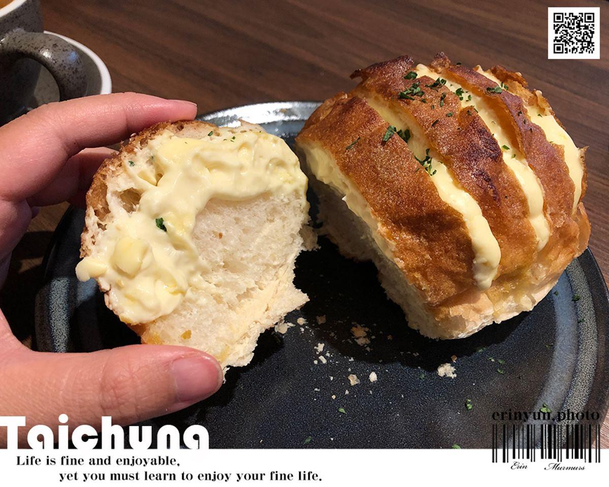 甜點控快收!台中隱藏版咖啡廳必嘗「大人味提拉米蘇」,奶油乳酪麵包會爆漿