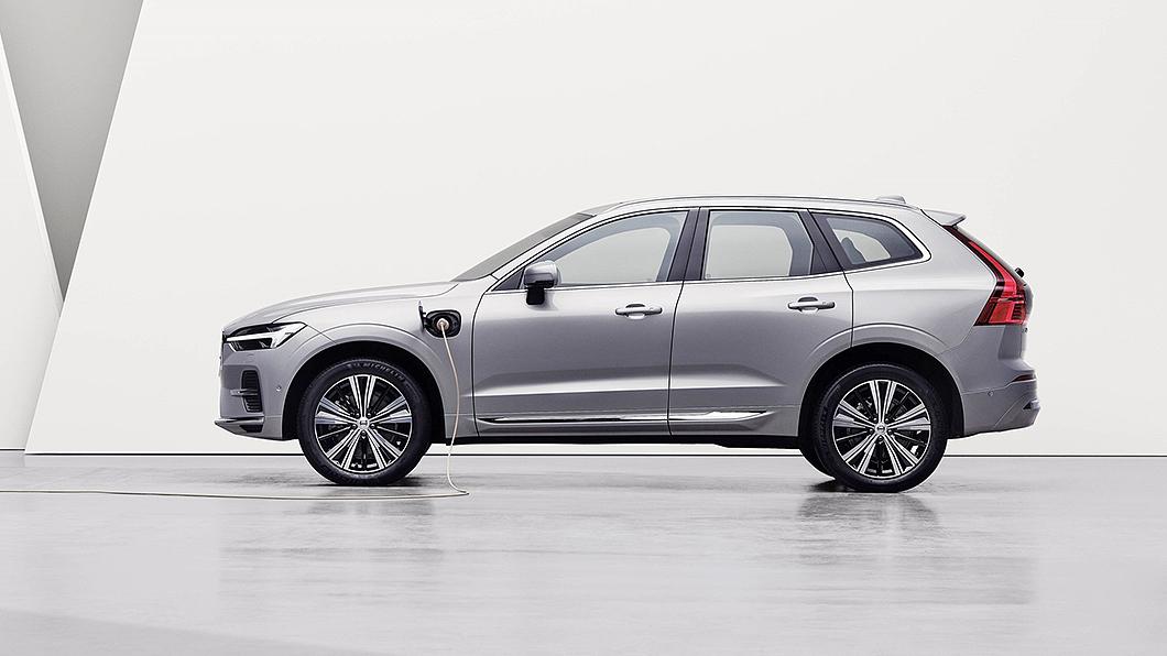 2022年式車型升級至漲價同時21年式車型也有所降價,其中XC90 T8降價達11.1萬元之多。(圖片來源/ Vovlo) 22年式Volvo T8車型全面漲10萬 續航升級不用油也能跑90公里