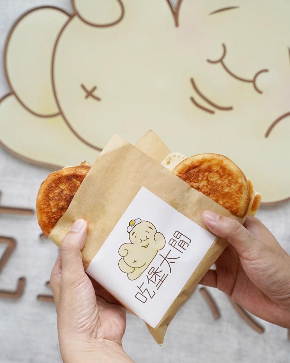限定3種口味!新竹有哏「雞蛋漢堡」宛如車輪餅造型,嘗鮮必點牽絲瑪格麗特