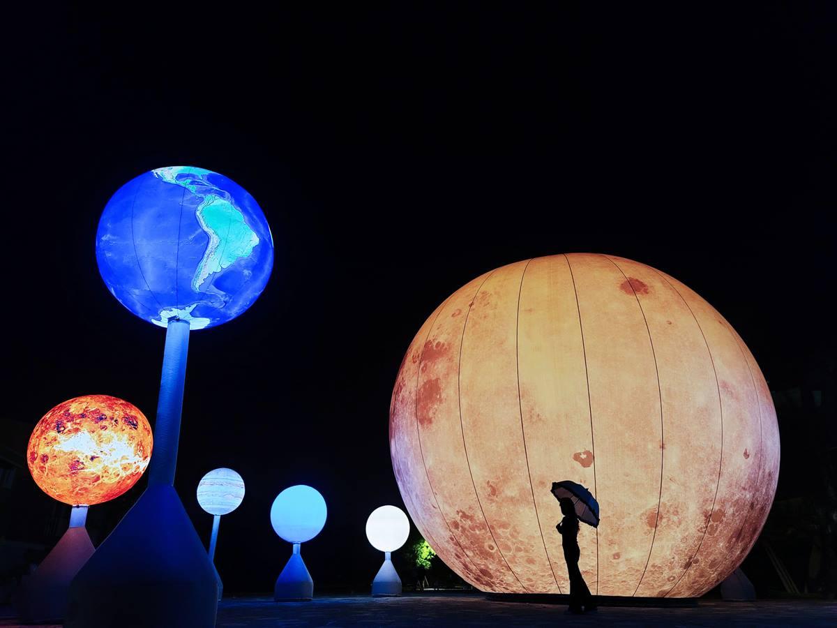 這才叫「賞月」啊!10米高「巨大月亮」超好拍,快衝宜蘭最新景點