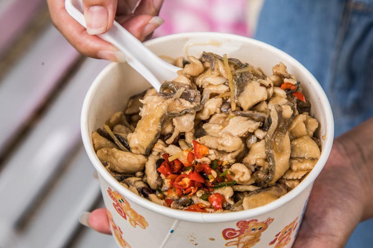 紅到韓國去!三重超夯「虱目魚蓋飯」肉堆到滿出來,招牌「豆豉魚頭」也必點