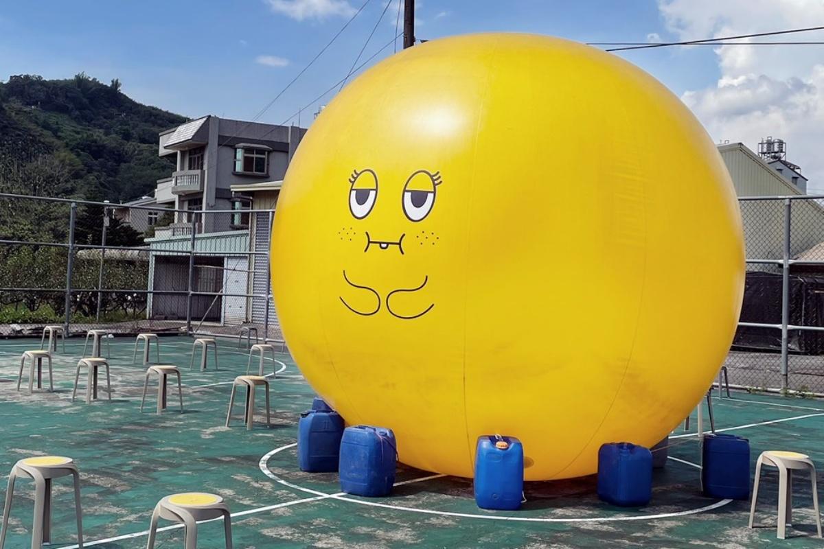 台中「社交巨梨」限時登場!1.5公尺「阿梨」免費拍,圓滾滾呆模樣太Q