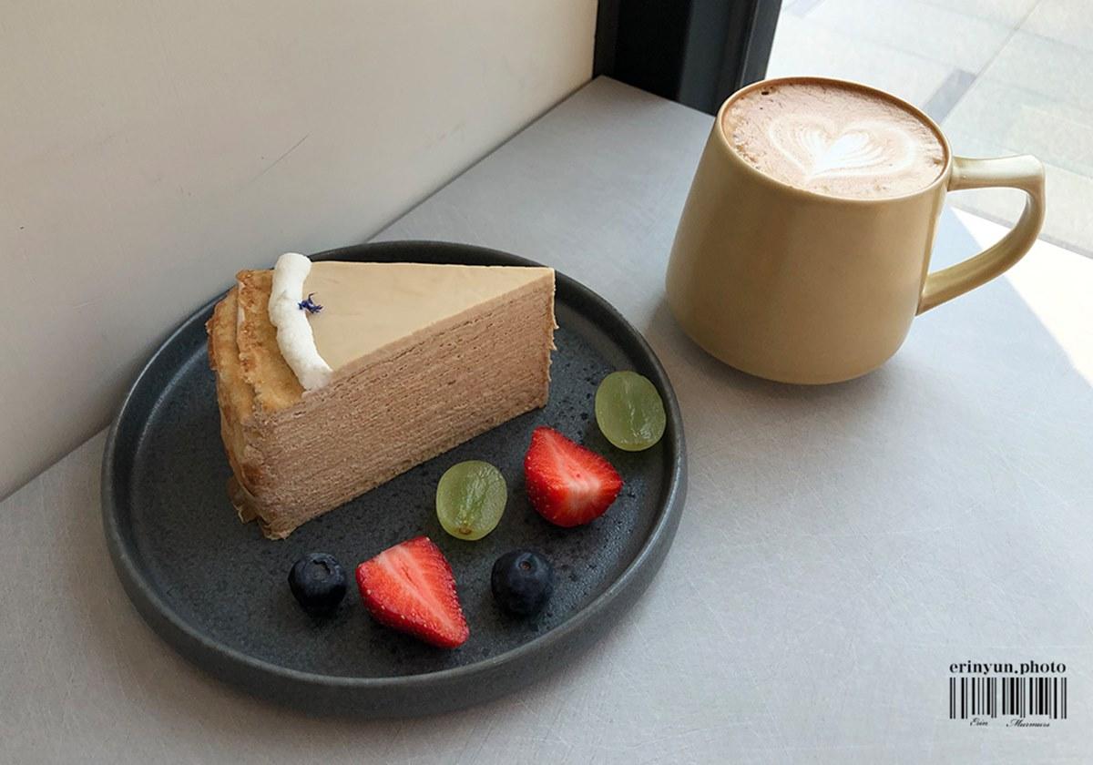 甜點控快收!台中巷弄咖啡廳打卡必點「小火山海鹽戚風」,英倫風外觀超好拍