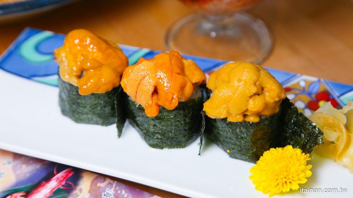 海鮮控快衝!台南人氣日料推超狂海膽祭,8款新品先嗑鮭魚海膽丼、爆量軍艦