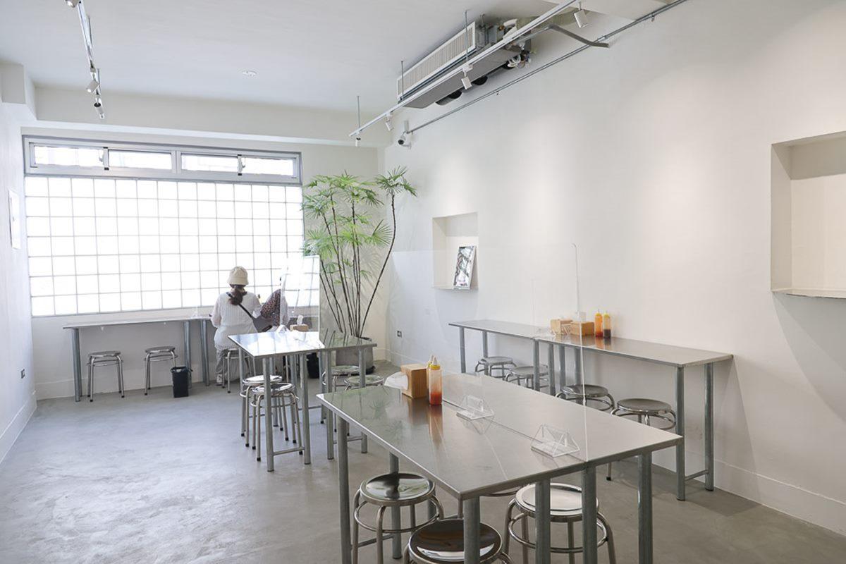 【新開店】這不是咖啡廳!台南「筒仔米糕店」必拍純白裝潢,Q彈口感超唰嘴