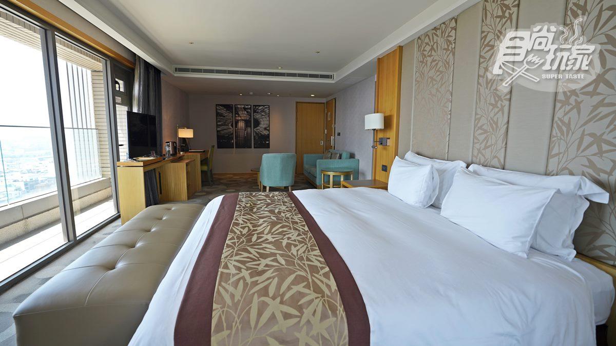 國慶、跨年煙火必搶!高雄駁二最美打卡飯店,躺床就能拍大港橋、流音中心