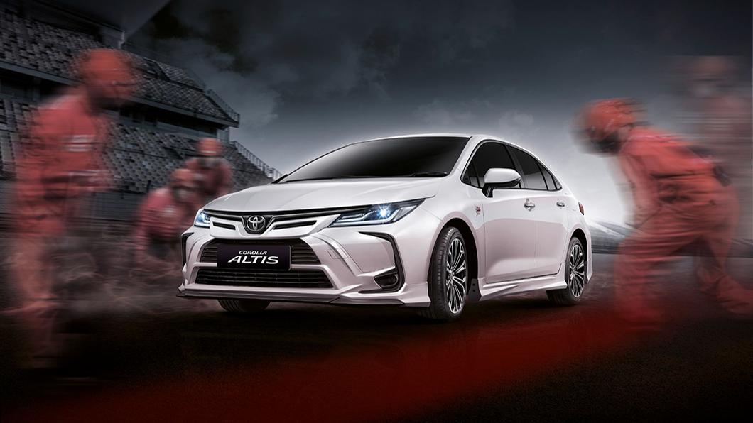 泰國Toyota推出Altis Nurburgring特仕版 「紐伯格林」套件,透過裡外的全面升級,提供消費市場新鮮的熱門話題。(圖片來源/ Toyota) 神車「泰」厲害! Altis紐柏林特仕版泰國上市