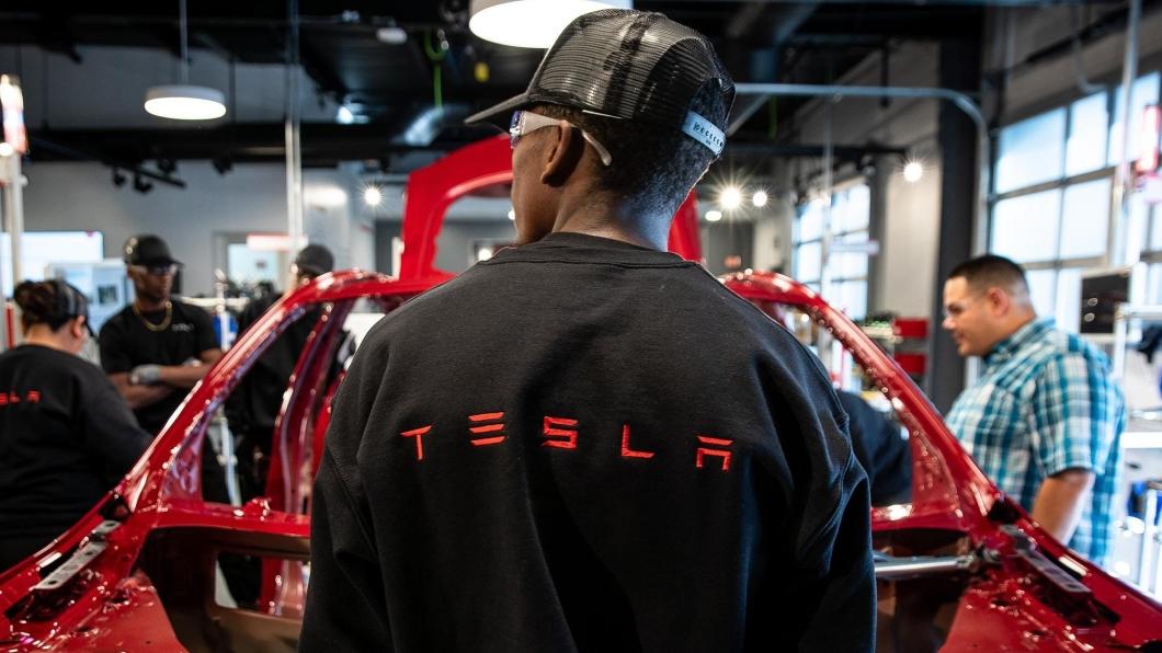 特斯拉近日因為種族歧視問題被開罰了1.3億美金的巨額罰款。(圖片來源/ Tesla) 特斯拉因種族歧視問題將被罰1.3億美金! 在美國千萬別用「N-Word」!