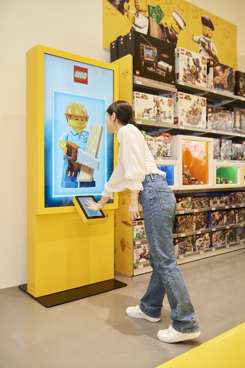 樂高迷快朝聖!全新「樂高授權專賣店」進軍新竹,先打卡「風城馬賽克牆」