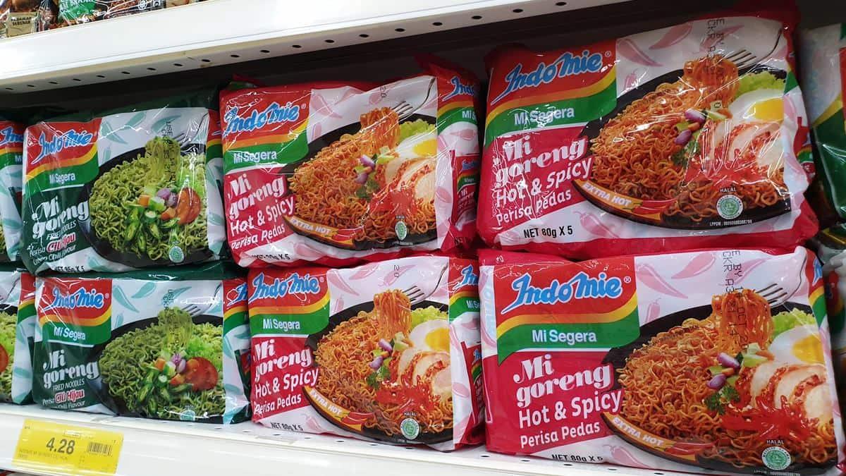 比20元麵線還便宜!超狂「印尼泡麵」1包僅10元,網再曝1招吃法變高級