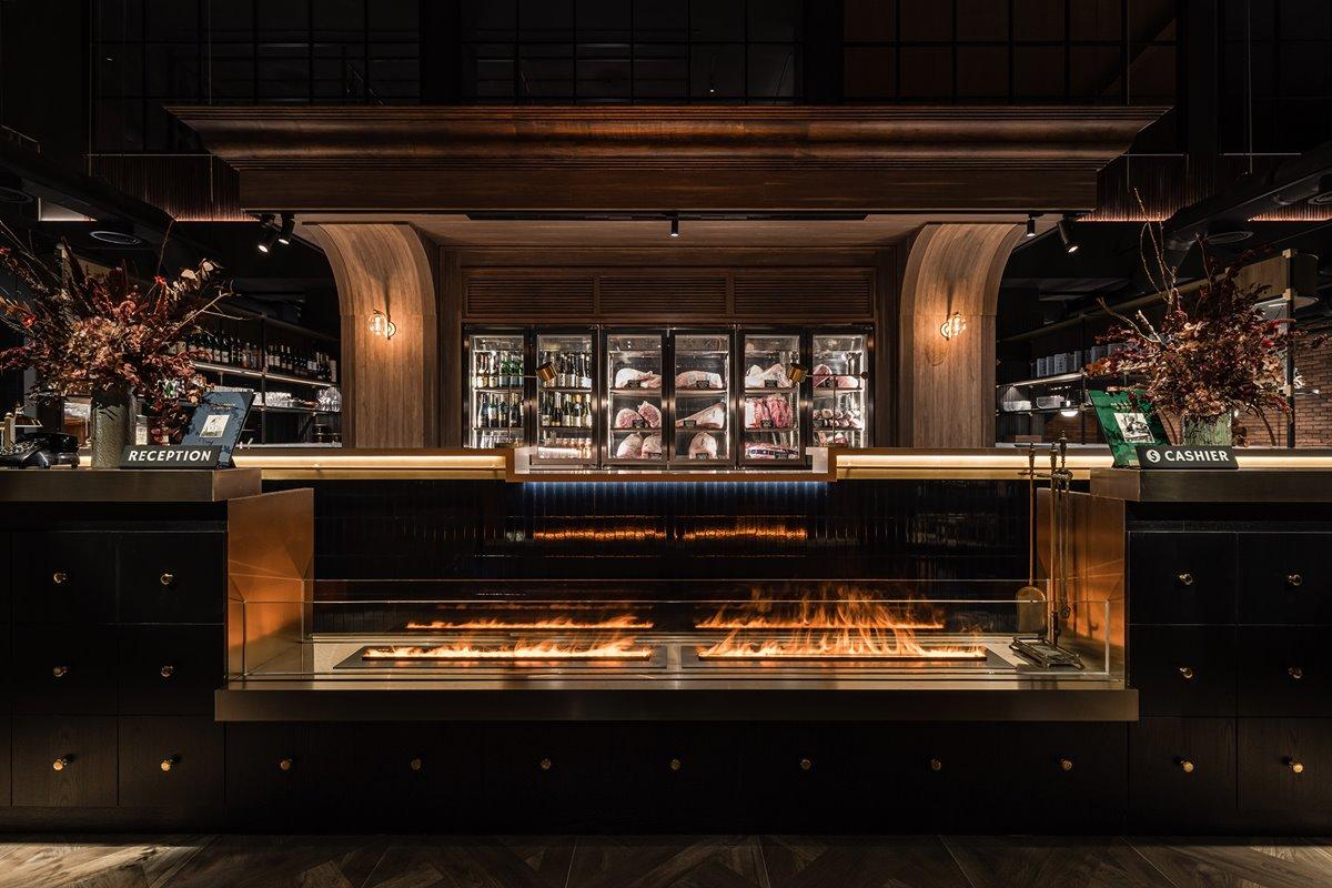 時髦名店「燒肉中山」進軍台中!打卡偽東京車站,吃「消波塊」和牛泡芙