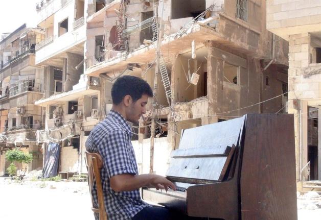150910-ayham-ahmad-yarmouk-yh-0843a_4f4f69aa9d8aafa181c4add043685397_nbcnews-ux-2880-1000