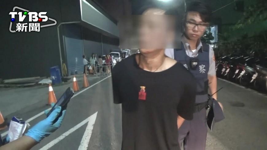圖/TVBS 開贓車趴趴走! 毒蟲遭攔查竟衝撞警車逃