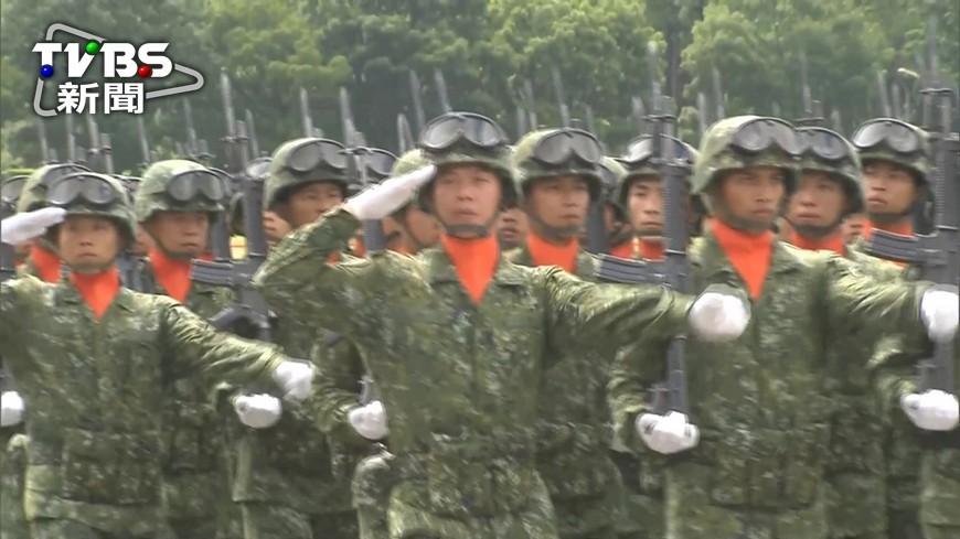 圖/TVBS 為訓練武德 國軍要求看電影《美國狙擊手》