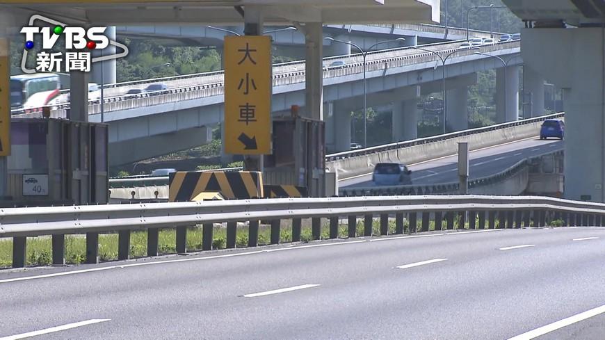 圖/TVBS資料畫面 國2週六「招魂」封路 建議改道避塞車