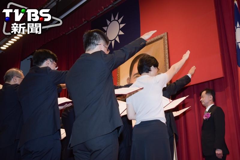 法務部長邱太三主持新任檢察長就職宣誓典禮。 每年高達6千人冤枉起訴 法務部長:人民怎信司法?